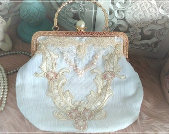 Handbag french shabby chic, shabby romantic in seersucker cotton and lace