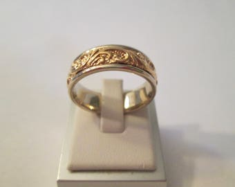 14k yellow and white gold men's textured scroll wedding band