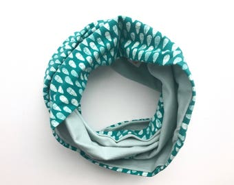 Child infinity scarf with snaps - toddler scarf - teal raindrops