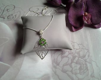 Leaf and swarovski flower pendant chain necklace