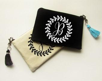Personalized Make Up bag with Tassel - Monogram Makeup Bag - Bridesmaid gift - Bridal Party gifts - Medium