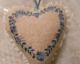 Cute little door linen heart LCV