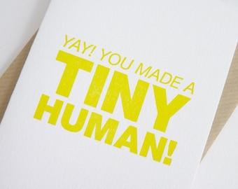 Yay ! Vous avez fait un minuscule être humain ! – Typogravure