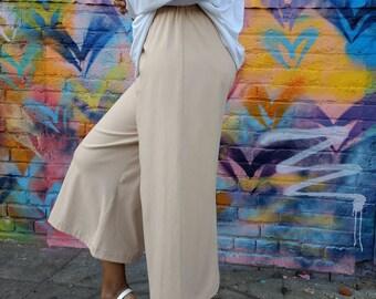 Wide Leg Pull On Knit Capri Pants / Casual / Lounge / Yoga Pants - All Sizes / Colors