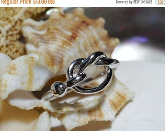 ON SALE Sterling Silver Love Knot Ring 2.01g Size 7