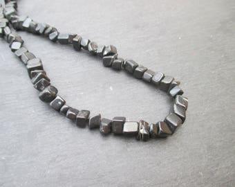 Black Jasper - 1 yarn of 85 cm Chips