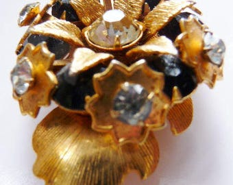 Unsigned gold tone rhinestone pin brooch   vintage pin jewelry   abstract leaf design   modern modernist jewelry   1940s 1950s shabby chic