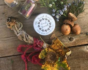 Dark Forest - Vegan Solid Perfume Tin 15g / 0.5 oz / 15ml - Made with Essential Oils of Oakmoss, Vetiver, Peru Balsam and Myrrh
