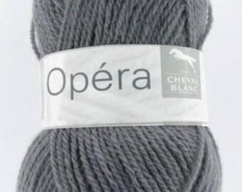 yarn color OPERA Center No. 306 white horse