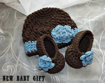 crochet Baby gift set,  hat and booties   blue and brown with sweet rose PERFECT SHOWER GIFT