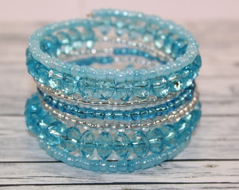 Transparent blue and white beads memory wire bracelet