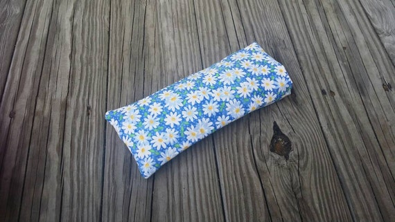 Yoga Eye Pillow/ Relaxing Cotton Eye Pillow Daisy cover/ Yoga Accessories / Meditation Pillow/ Essential Oil Pillow, Yoga Gift,