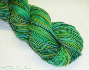 Seafoam Laguna Handspun 2 - 212 yds - Thick & Thin - Singles - Squishy - Knitting - Crochet - Weaving - Mixed Media - Fiber Arts - Textiles