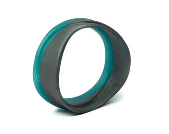 Woven resin bangle, in silver and aqua