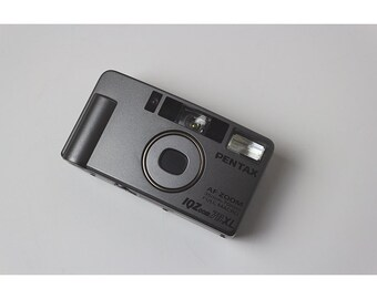 Pentax IQZoom 70 XL 35mm Point and Shoot Camera
