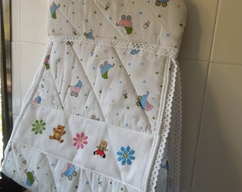 DIAPER holder embroidered diaper. Bear, doll & flowers embroidery by hand on a handmade diaper, for hunging. 100% handmade.