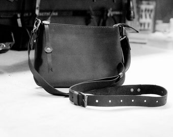 Long strap for a clutch