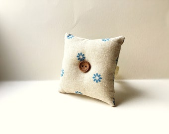 Handmade Blue Flower Design Square Wrist Pin Cushion