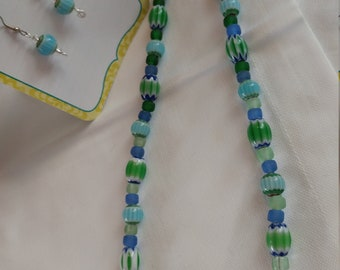 Set: earrings and necklace