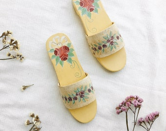 Vintage Hand Painted Hand Carved Wooden Sandals, Hand painted shoes. vintage shoes, vintage women shoes size 7, vintage wooden sandals