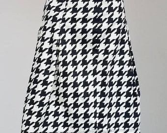 Vintage Black and White Houndstooth Pattern Skirt