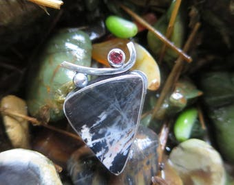 Sterling Silver Brutalist Rhodolite and Black Jasper Ring Size 8.25