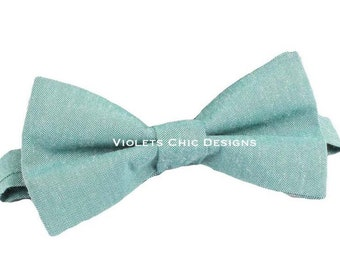 Sage green bow tie, groomsmen bow tie, sage green bowties, mens sage bowtie, mens bow ties, green bow ties, sage wedding bowtie