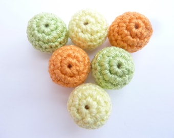 Set of 6 beads crocheted pastel