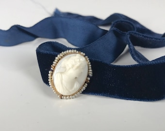 Antique Edwardian Cameo // Romantic Era Conch Shell + Seed Pearl in Gold Setting // Velvet Choker Necklace // Vintage Estate Jewelry