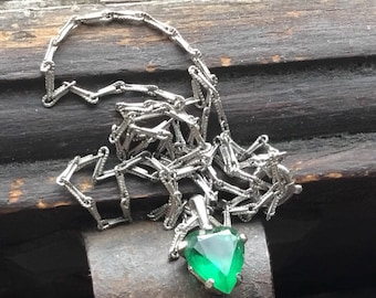 Danty sterling silver facated green stone heart
