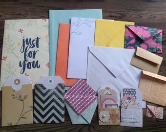 Mixed envelopes, handmade envelopes, set of 25, mixed envelopes, tags, pockets, junk journal kit, smash book bundle, scrapbooking supplies,