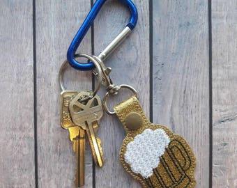 Beer keychain, beer key fob, beer snap tab, beer accessories, beer lover gift, men's accessories, beer lover, gifts for him