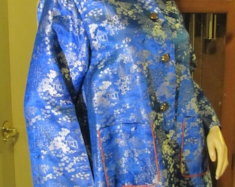 Beautiful Vintage Oriental-Asian Chinoiserie Blue Satiny Japanese Jacket (Made in Japan) size M/L