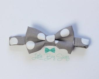 Gray Polka Dot Bow Tie, Boys Bow Tie, Ring Bearer Bow Tie, Baby Boy Bow Tie, 1st Birthday Boy, Wedding Bow Tie, Kids Bow Tie, Boy Cake Smash