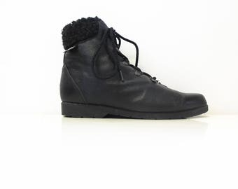 black fuzzed lined ankle boots, womens size 37