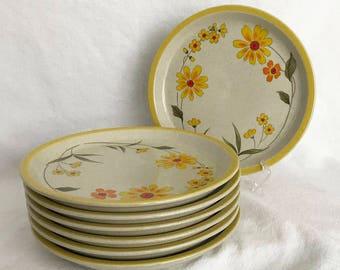 7 Cheerful Yellow Daisy Salad Plates