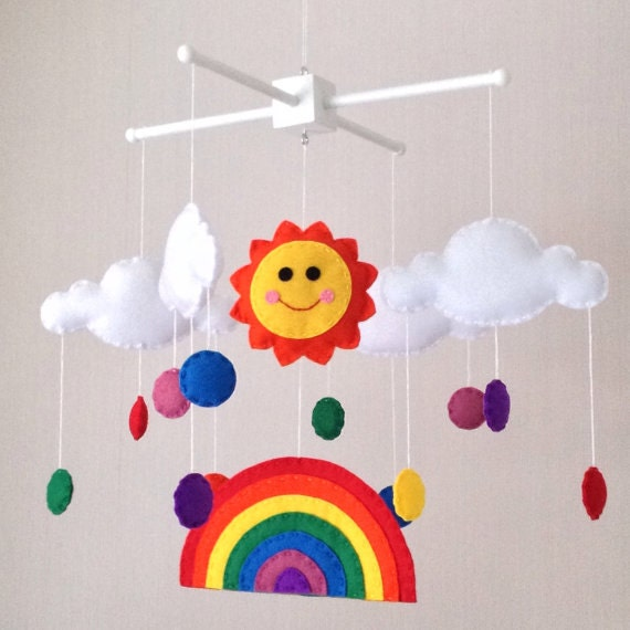 baby mobile kinderbett mobile sonne regenbogen und wolken. Black Bedroom Furniture Sets. Home Design Ideas