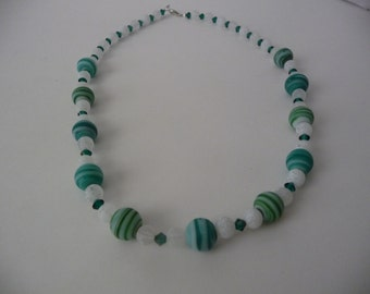 Green and White Swirl Beaded Necklace