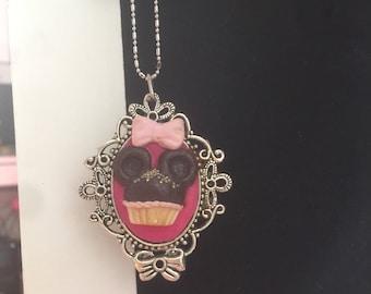 Minnie cupcake necklace