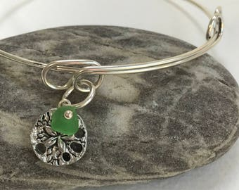 Maine Atlantic sea glass adjustable bangle charm bracelet, sand dollar sea bracelet, beach bangle bracelet, beachcomber bangle bracelet
