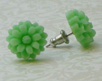 Daisy Flower Earrings - Light Green