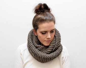 Willow Infinity Scarf | Barley