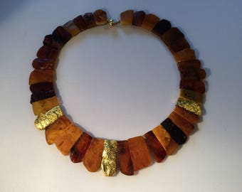 Collier in natural Amber with 24 lg. Gold Leaf