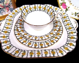 AYNSLEY tea cup and saucer trio & cake plate yellow daisy floral teacup set