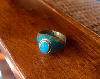 Pretty turquoise and gold ring