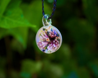 Glass bead flower necklace