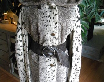 Fabulous faux fur snow leopard print cape / poncho / coat