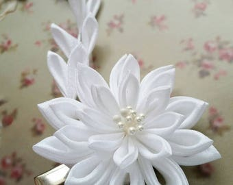 Kanzashi Snow White Bridal Flower Fabric Flower Hair Clip