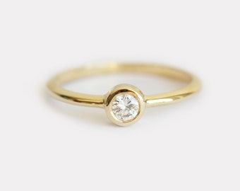 Delicate Diamond Ring, Delicate Engagement Ring, Simple Engagement Ring, Round Diamond Ring, Yellow Gold Solitaire Diamond Ring, 18k