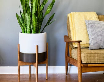 Mid Century Modern Plant Stand with Round Legs, Oak Wood, Mid Century Plant Stand, MCM Decor